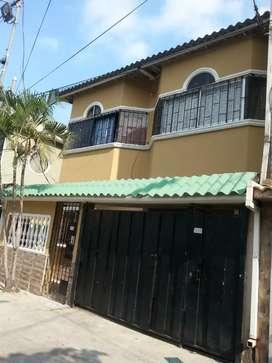 Venta Casa Rentera Rosales 4 departamentos