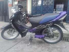 Vendo hermosa moto 125