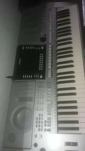 Teclado Yamaha psr s 910