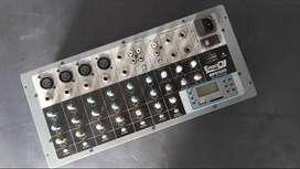 Vendo amplificador mixer  pro dj - mp815ou -
