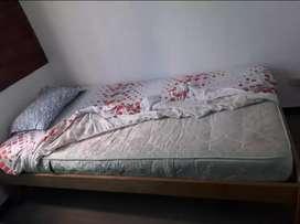 Se vende cama individual con colchón ortopédico