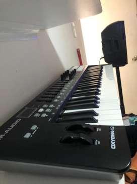 Controlador Midi M-Audio Oxygen 49 teclas