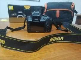 Nikon D3300 Sólo Cuerpo. en Caja  Bolso