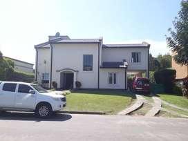 Alquiler. Hermosa casa en Country Nuevo Golf