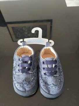 Zapatos para bebe nuevos