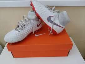 Botines Nike Magista