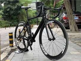 Bicicleta de ruta en carbono Pinarello, cervelo, specialized f8 f10 o s5, nueva, leer detalles del anuncio