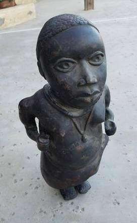 Colección de antigüedades africanas Bamoun Goddess de 1885