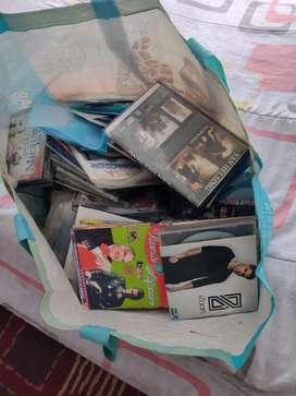 Vendo CDS de música y películas.