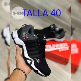 Se venden calzado deportivo para cballero