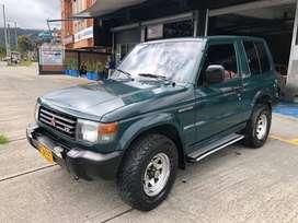 Mitsubishi montero hard top v6 3000, papeles al dia, soat al dia, model 97, segundo dueño, 3 puertas