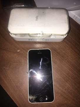 iPhone 5C. Pantalla rota. Caja y accesorios originales