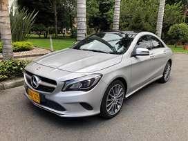 Mercedes Benz cla 180 urban plus
