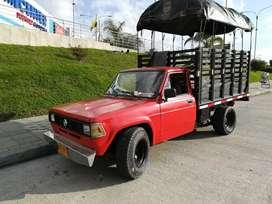 Vendo camioneta nissan patrol junior modelo 80. Motivo de viaje excelente estado