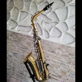 Saxofón Yamaha Alto Yas 26 Made in Indonesia
