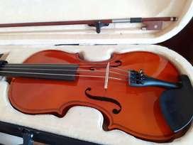Violin 4/4. Como nuevo con poco uso.