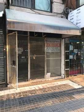 Alquilo hermoso local comercial ubicado sobre Av. Olmos