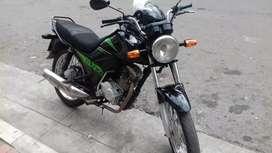 Vendo moto cb1 honda blamamte precio 1250 poco negociable