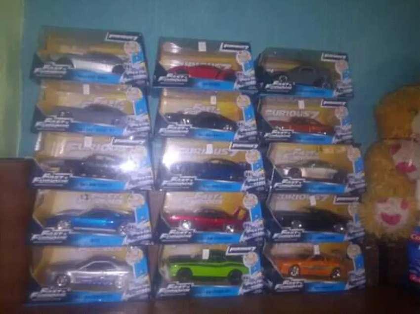 Coleccion de carros a escala son 15 0