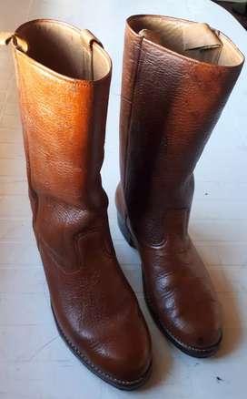 Vendo hermosas botas de carpincho