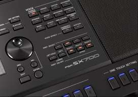 Yamaha PSR-SX700 + Obsequio 4 Pack Musicales