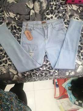 Pantalón jean  color azul claro