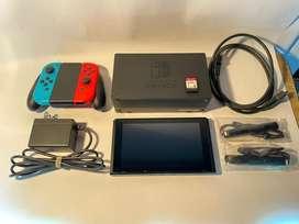 Nintendo Switch 32gb +Super Smash Bros