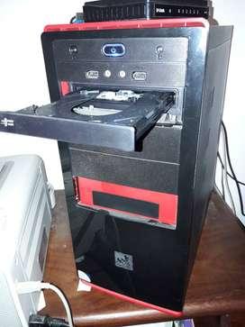 Pc escritorio 4 gb disco 500 gb