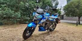 IMPECABLE MOTO SUZUKI GSX 150 CON 6.000KM UNICO DUEÑO $4.600USD NEGOCIABLES