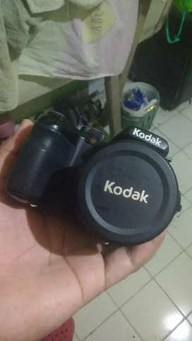 Camara Kodak Pixpro AZ361 con bolso