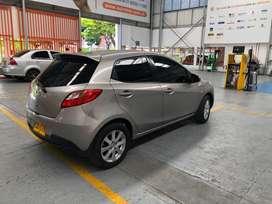 Mazda 2 modelo 2010 excelente sonido, camara trasera, vidrios polarizados, sensores, y pantalla con wifi, soat pago