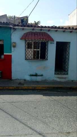 Se arrienda local comercial centro histórico santa Marta