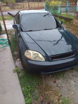Honda civic en buen estado del 1998