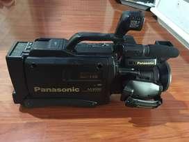 Camara Profesional Video Panasonic M3000 VHS MOVIE CAMERA NV-M3000, precio negociable