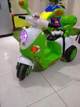 Moto de batería con control
