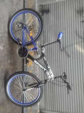 Vendo bici aro 26 doble suspencion frenos de disco aros de aluminio reforsado llantas nuevas extensor chimano echo abc