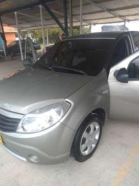 Vendo Renault Sandero 2012 perfecto estado.