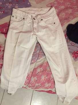 Jean blanco de mujer
