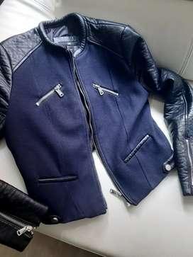 Chaqueta H&M - Talla 4 (xs) - Azul y negra - 8/10