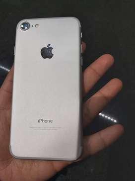 Vendo iphone 7 de 32 gb con todos sus accesorios, cdb 61%
