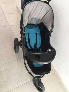 Se vende coche marca Infanti con porta bebe en excelente estado.