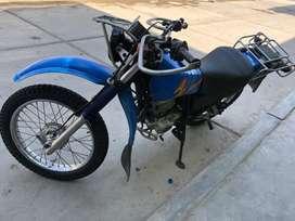 Vendo moto Yamaha AG 200