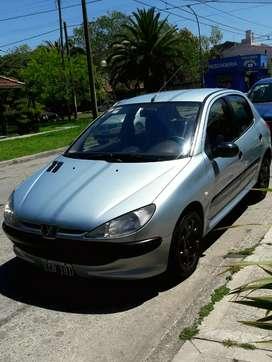 Peugeot 206 XR 1.4 8v