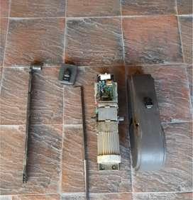 Motor PPA a Torsión para porton. Incluye electrocerradura, brazo, vaina y dos controles remotos.