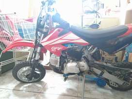 Moto Motomel ( chica)