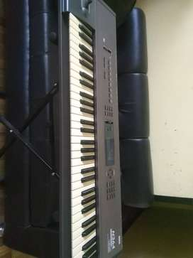 Piano Korg N364