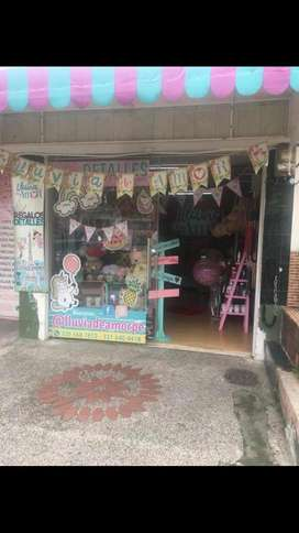 Por motivo de viaje Se vende hermosa tienda de regalos ubicado en excelente sector de la ciudad