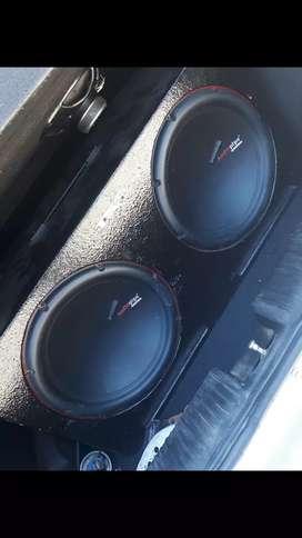 Se vende audio pipe 350 rms c/u con caja litrada