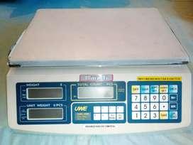 Balanza pesadora y contadora hasta 30 kg marca Moretti