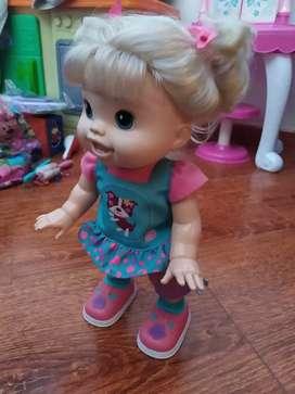Baby Alice muñeca primeros pasos hasbro